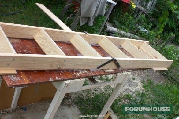 Лестница на чердак из дерева своими руками
