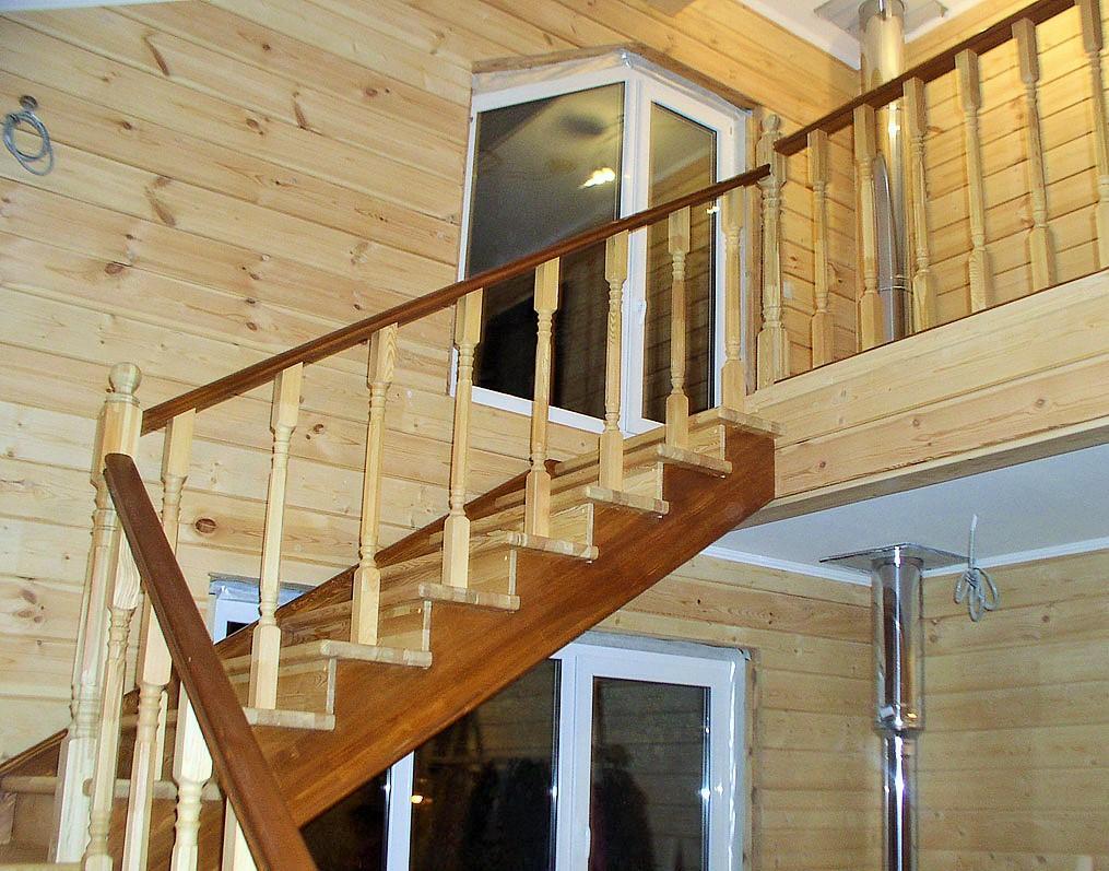 Как сделать пол второго этажа с лестницей