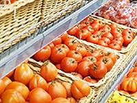 Супермаркеты отдадут непроданные продукты бездомным и фермерам