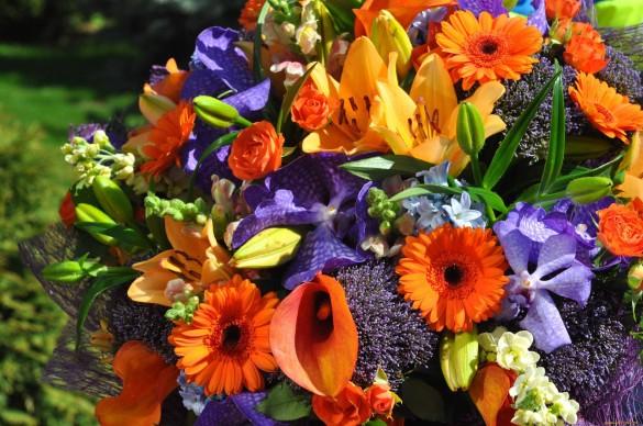 Красивые букеты на 1 сентября из цветов с огорода