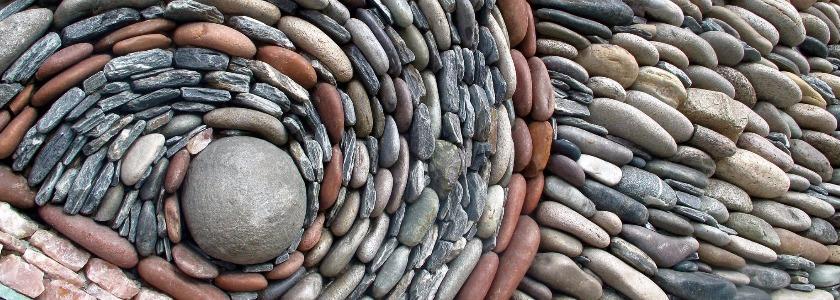 Каменные мозаики на фасаде и в интерьере