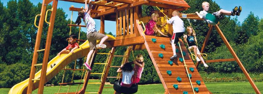 Обустраиваем площадку для детских игр на даче