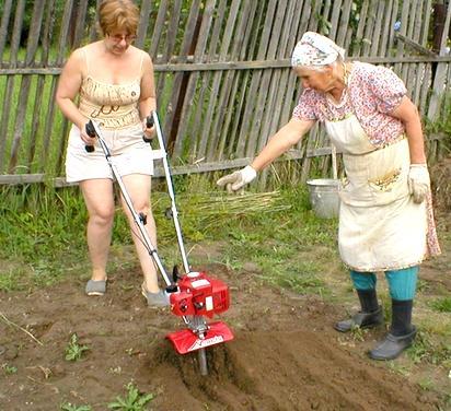 Измельчение почвы почвофрезой