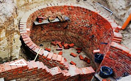 Этапы строительства круглого погреба: часть вторая