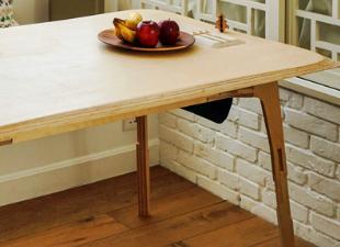 Универсальный стол собирается без крепежа и гвоздей