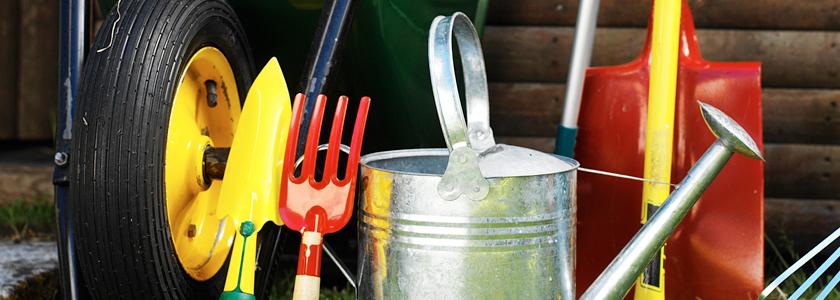 Держалка-точилка для садовых инструментов