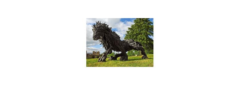 Садовые монстры: удивительные скульптуры из покрышек