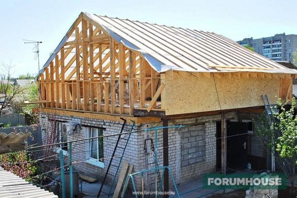 Можно ли построить мансарду над частью приватизированного дома