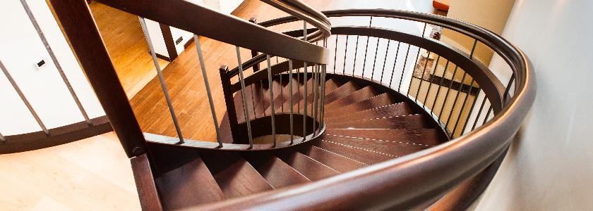 Деревянные лестницы – особенности изготовления на заказ, ответы специалиста на вопросы пользователей