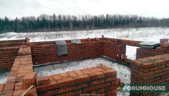 Зимняя стройка: недостатки и преимущества