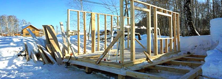 Особенности зимнего строительства деревянных и каменных домов