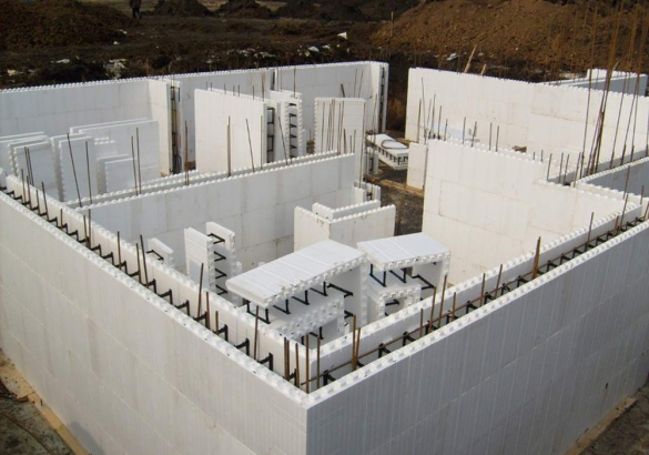 Строительство домов под ключ в Челябинске и Челябинской области. Бригада строителей