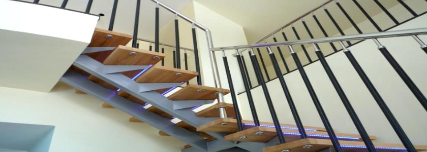 Как сделать лестницу на металлических косоурах: пошаговая инструкция