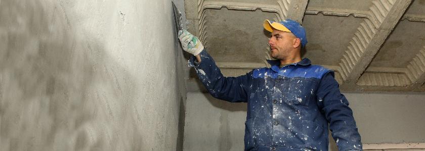 Штукатурка vs шпатлевка: зачем штукатурить газоблочные стены изнутри