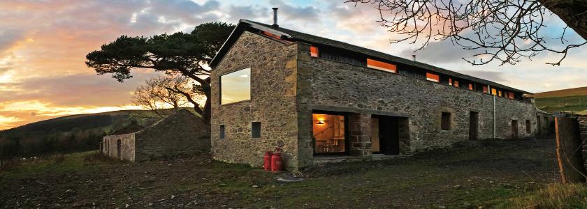 Дом с крышей без свеса: преимущества архитектуры и конструктивные решения