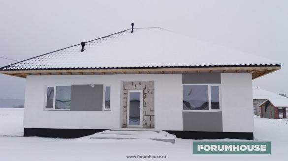Фото дом со снегом на крыше