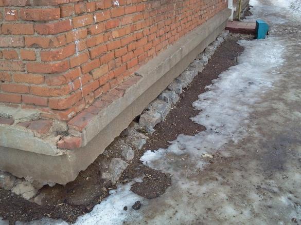 Фото повело фундамент без отмостки морозным пучением