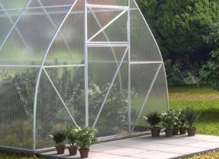Сотовый поликарбонат: особенности и свойства материала