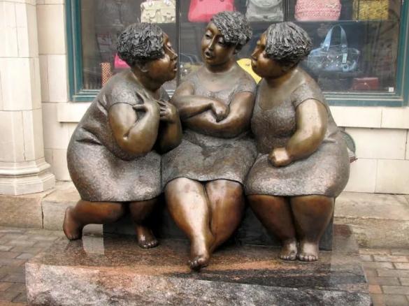 Фото скульптура бронзовые сплетницы