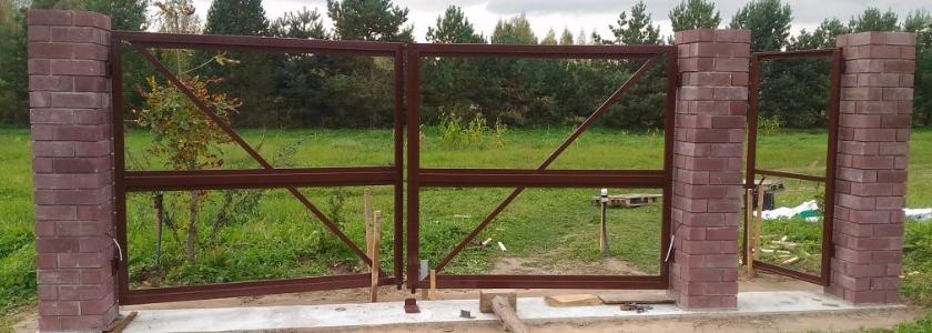 Сделай сам: распашные ворота и калитка на кирпичных столбах