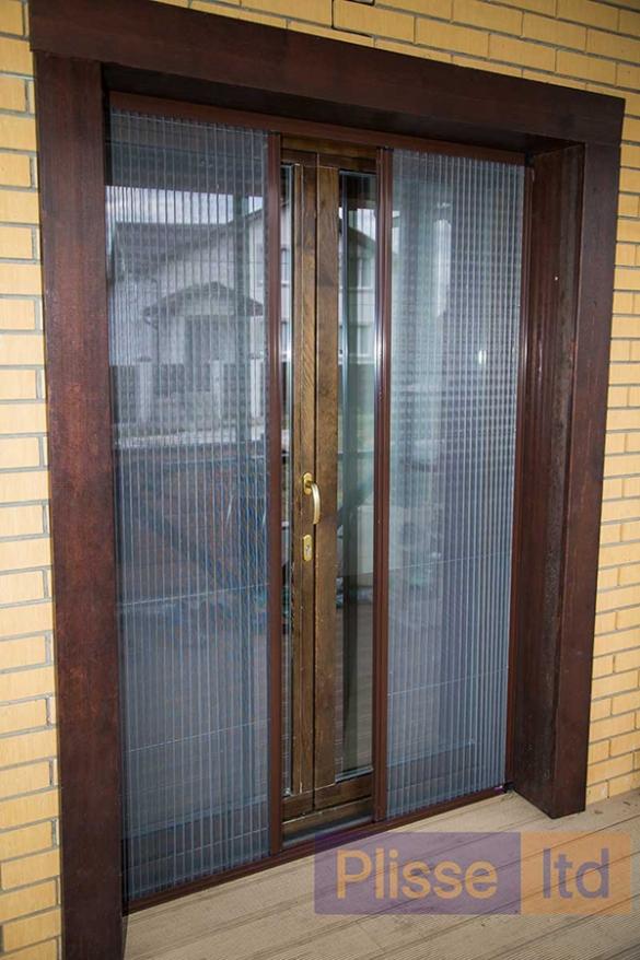 Фото сетка Плиссе на входной двери