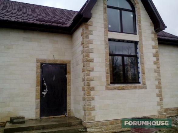 Фото камень на фасаде